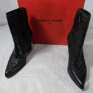 Donald J Pliner ladies boots Vegas 10M
